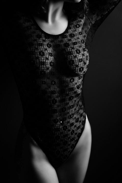 black lace lingerie boudoir photo shoot pittsburgh