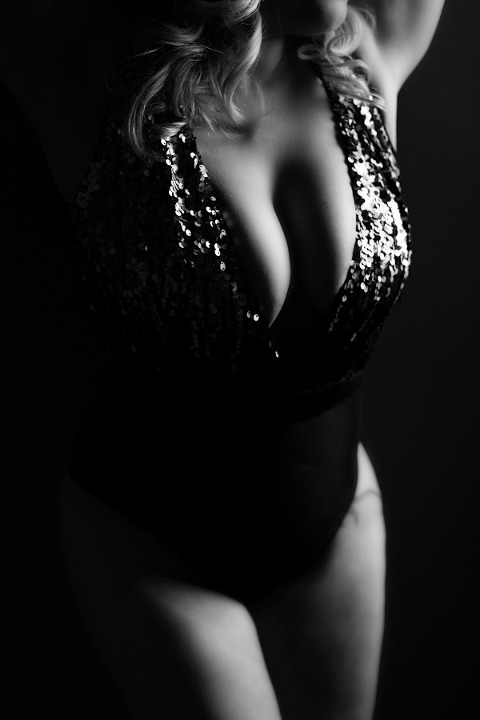 boudoir photography pittsburgh black and white boudoir photo in sequin bodysuit