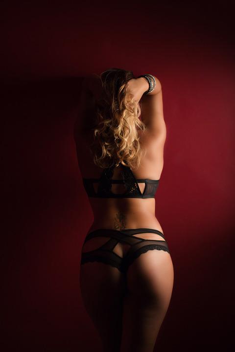 back photo pittsburgh boudoir photography