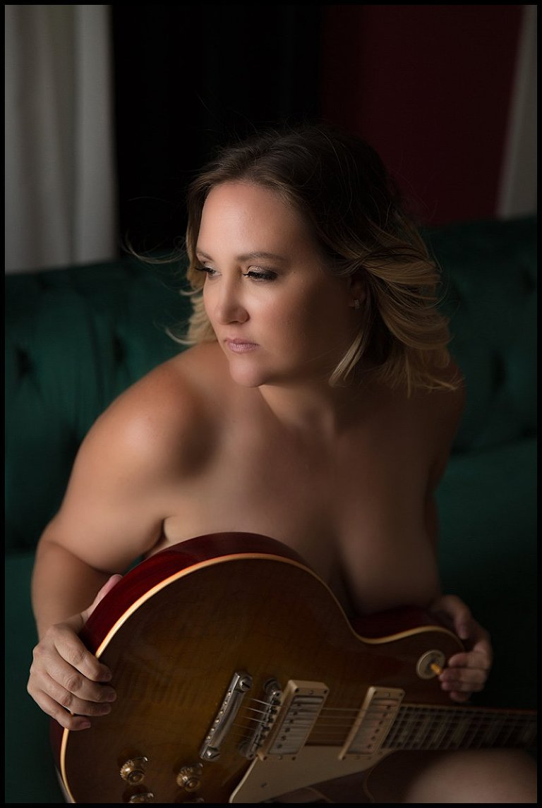boudoir photo shoot pittsburgh with guitar