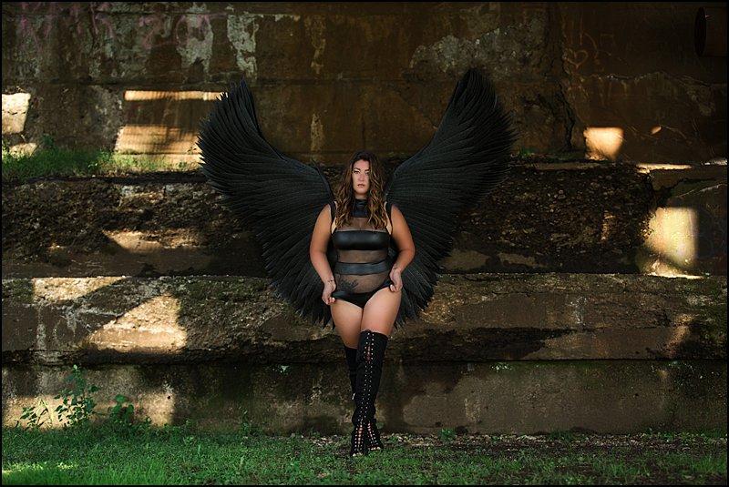 black fantasy wings pittsburgh boudoir photography