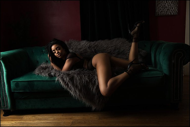 boudoir posing at boudoir photography studio pittsburgh woman in black lingerie