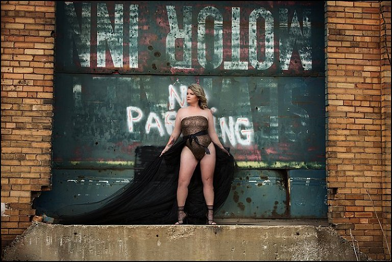 intimate photos Pittsburgh, boudoir photography with Maura Chick